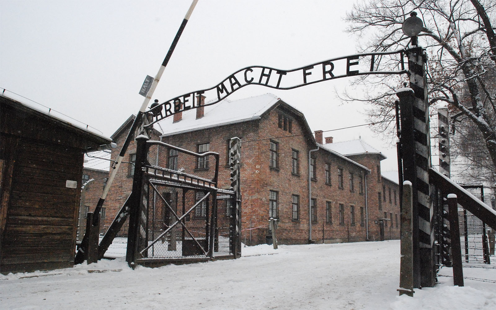 From Krakow to Auschwitz - the entrance gate
